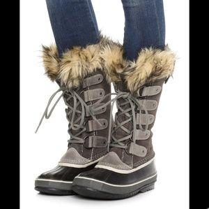 Sorel Joan of Arctic Grey Winter Boots